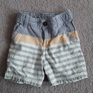 Oshkosh boys shorts size 3T